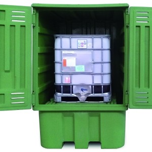 Polyethylene sump pallet with receptacle for 2 IBCs